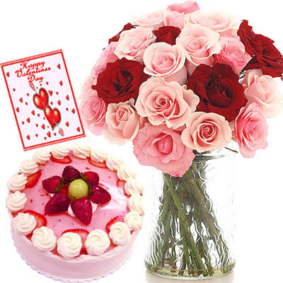 18 Red And Pink Roses In A Vase And Half Kg Strawberry Cake